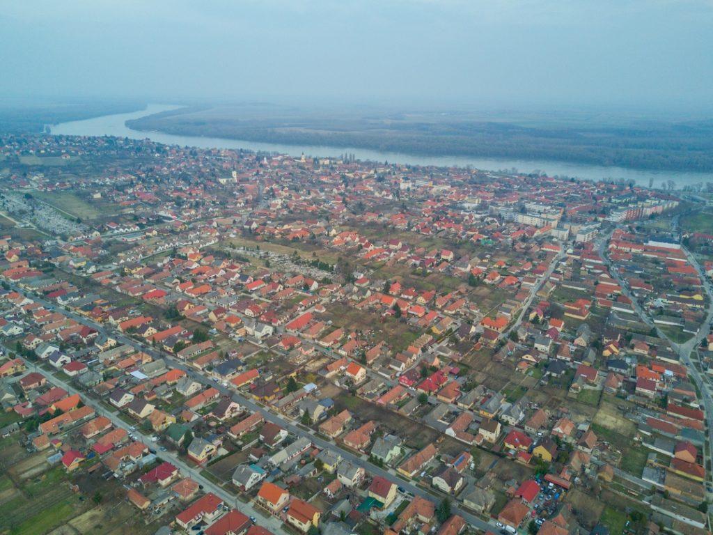 Légi felvétel Paksról. Fotó: Babai István/Paksi Hírnök