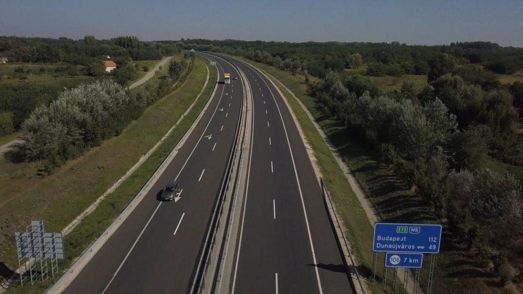 Az M6-os autópálya Paksnál. Fotó: Babai István