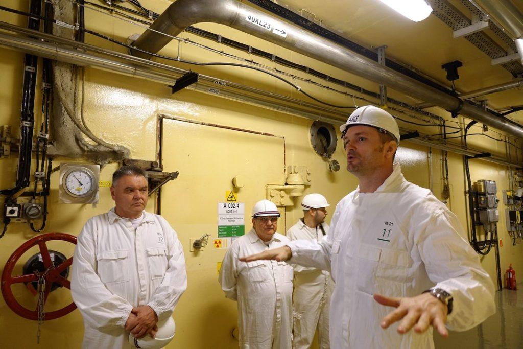 Dr. Kovács Antal adott tájékoztatást az ellenőrző bizottság tagjainak.