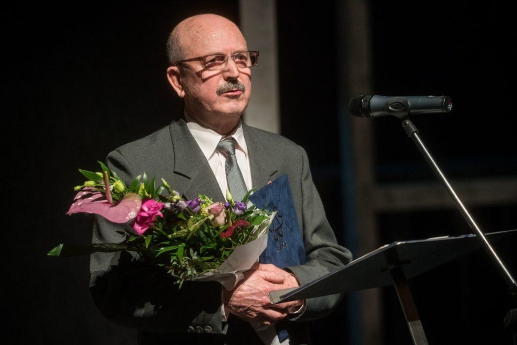 Enyedi János Tisztes Polgár kitüntetett. Fotó: Babai István/Paksi Polgármesteri Hivatal