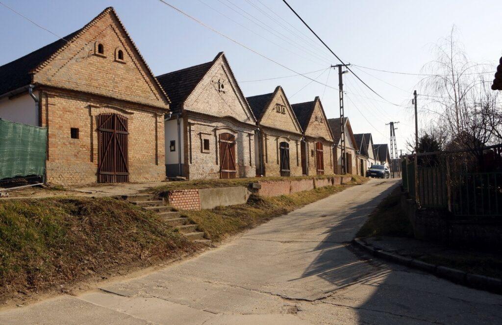 Felújítás kezdődik az Ősz és a Völgy utcákban. Fotó: Molnár Gyula/Paksi Hírnök