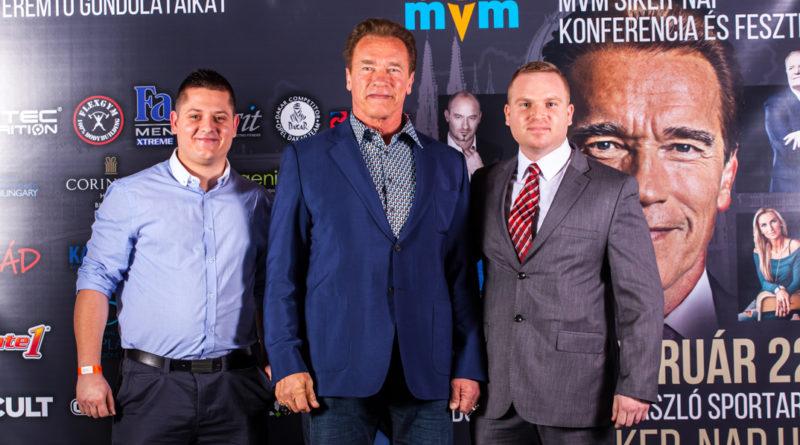 Schwarzenegger jobbján Zsigó Richárd. Fotó: MVM-Siker-Nap