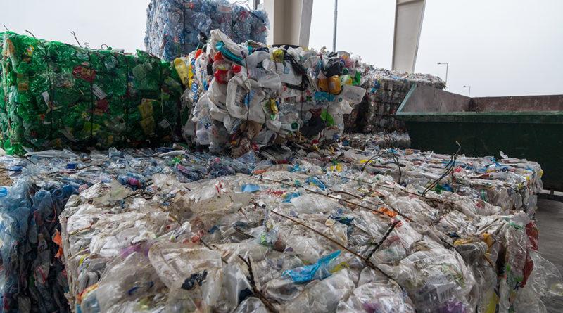 A szelektíven gyűjtött hulladék értékesíthetővé válik. Fotó: Babai István/Paksi Polgármesteri Hivatal