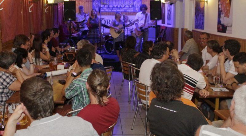 A Bese Dóra és barátai is klubkoncertet adott. Fotó: Molnár Gyula/Paksi Hírnök