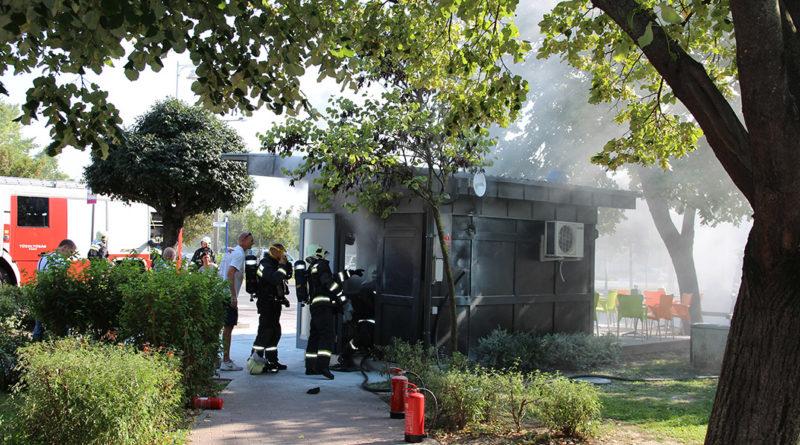 Tűzoltók a Box büfénél. Fotó: Vida Tünde/Paksi Hírnök