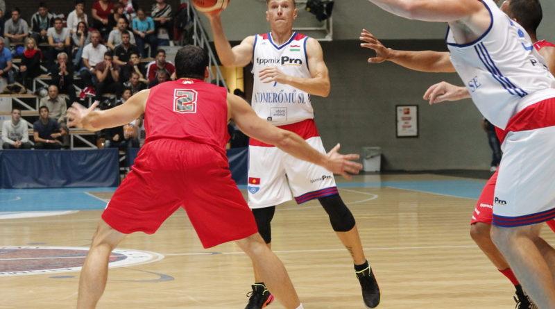 Az idény első hazai mérkőzését a MAFC ellen játszotta az ASE kosárlabdacsapata. Fotó: Molnár Gyula/Paksi Hírnök