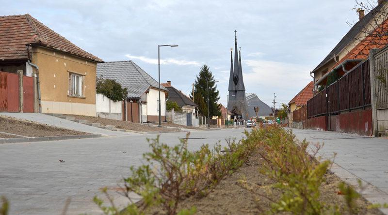 Megújult az Ady Endre utca. Fotó: Szaffenauer Ferenc/Paksi Hírnök