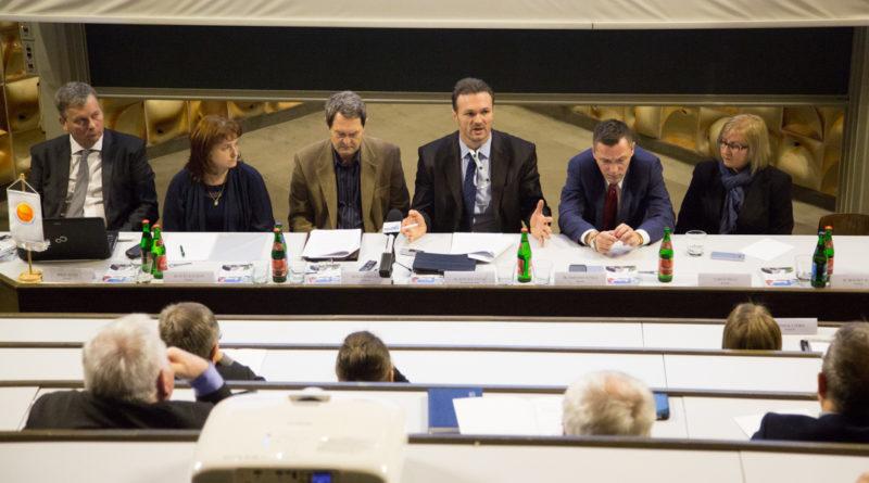 A Jövőnk Energiája Térségfejlesztési Alapítvány kuratóriuma Pakson ülésezett. Fotó: Kövi Gergő/Paksi Hírnök archív