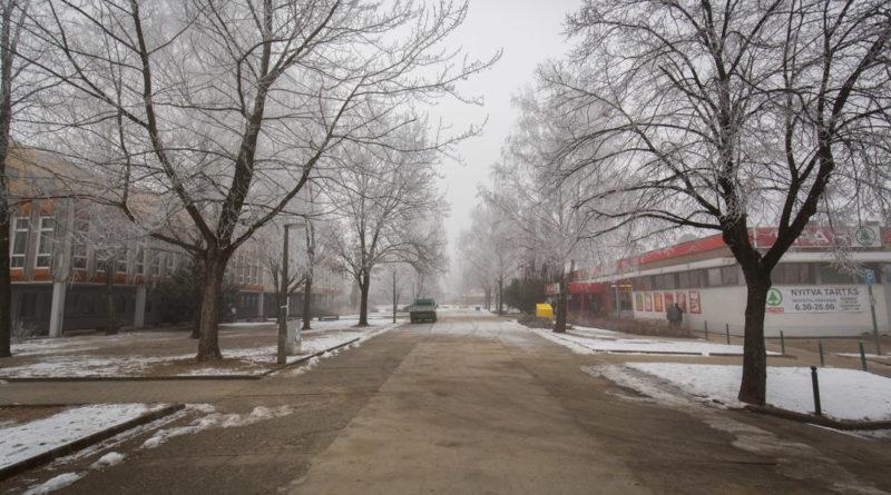 Több ütemben újul meg a lakótelep központi parkja. Fotó: Kövi Gergő/Paksi Hírnök