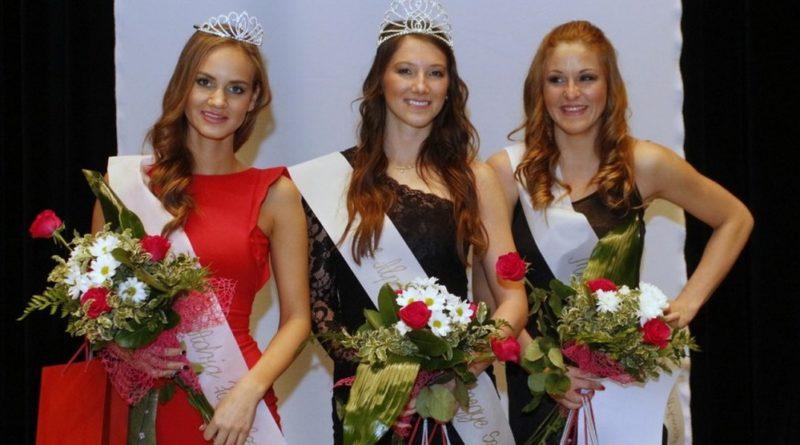 A tavalyi szépségverseny győztesei. Fotó: Molnár Gyula/Paksi Hírnök archív