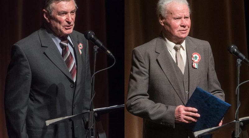 Tóth György és Fritz János kapta a Tisztes Polgár kitüntetést. Fotó: Babai István/Paksi Polgármesteri Hivatal