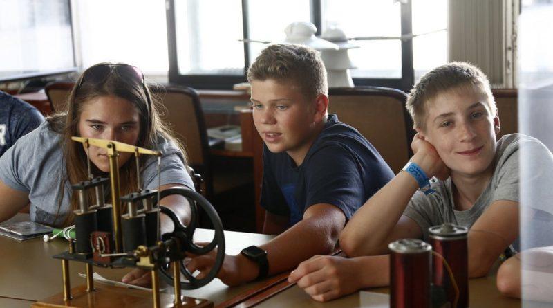 Játszva tanulták a fizikát az Atomenergetikai Múzeumban. Fotó: Bodajki Ákos/AM
