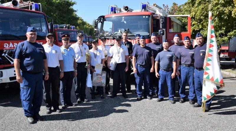 Kiválóan teljesítő Tolna megyei tűzoltók. Fotó: Atomerőmű Tűzoltóság