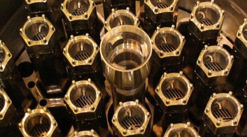 Új típusú fűtőelemet fejlesztettek ki az atomerőműben. Fotó: Vida Tünde/Paksi Hírnök