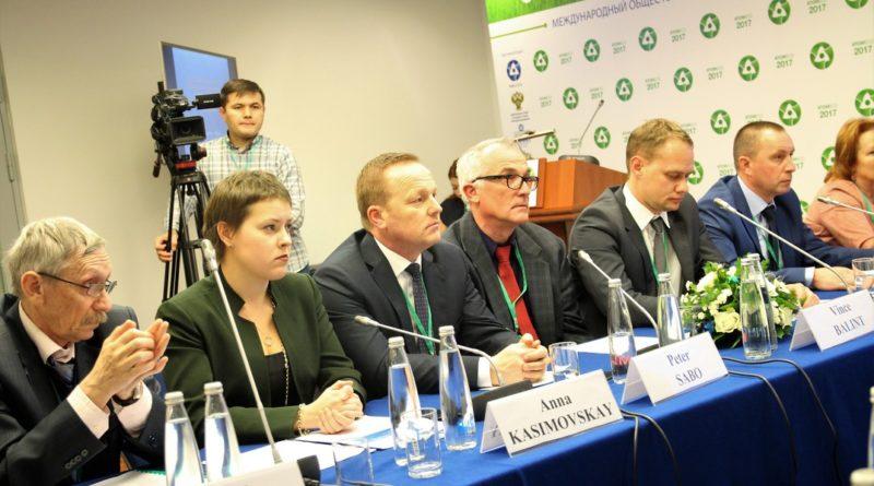 Kerekasztalbeszélgetés Moszkvában. Fotó: Vida Tünde/Paksi Hírnök