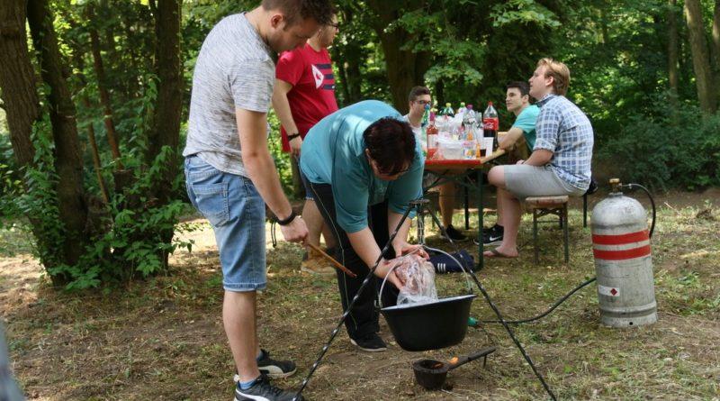 Családok, baráti társaságok főztek a gyapai falunapon. Fotó: Molnár Gyula/Paksi Hírnök