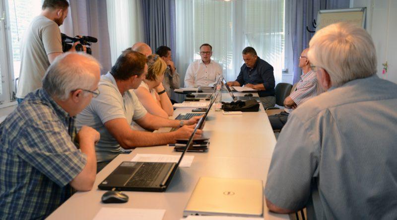 Ülésezik a képviselő-testület. Fotó: Szaffenauer Ferenc
