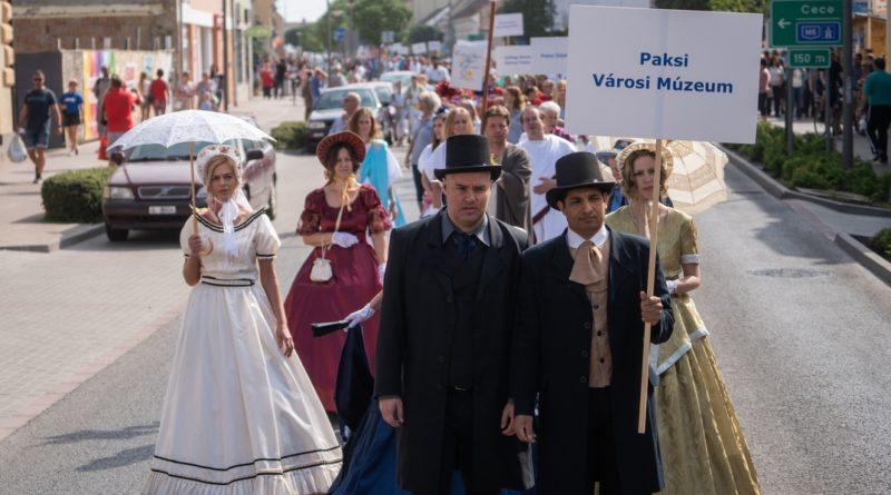 Felvonulás a Város napján. Fotó: Babai István