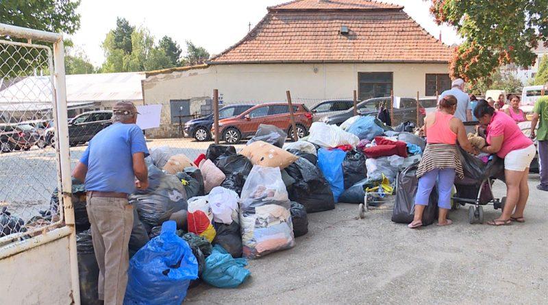 Adományosztás a Segítők Házában. Fotó: TelePaks