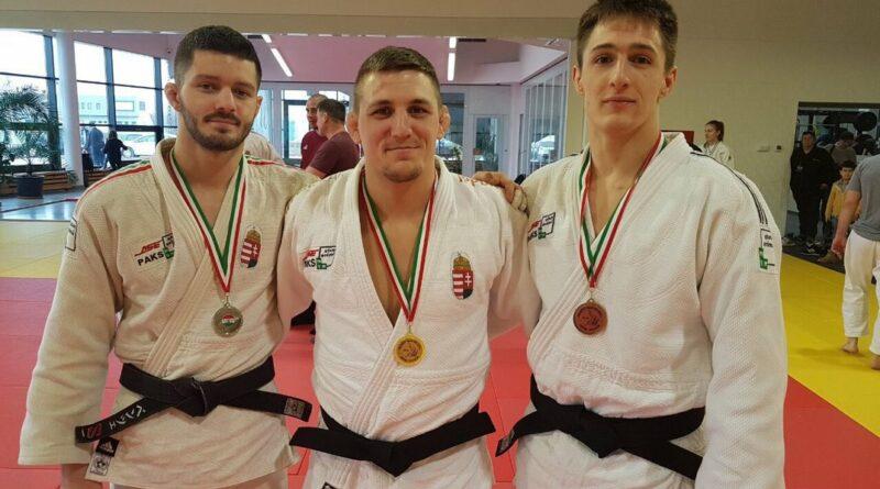 Windischmann Bence (b.), Csoknyai László (k.) és Akkerman Gergely. Fotó: judo.ase.hu