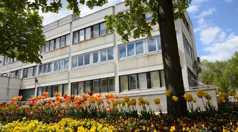 Zajlik a polgármesteri hivatal energetikai korszerűsítése. Fotó: Szaffenauer Ferenc/Paksi Hírnök