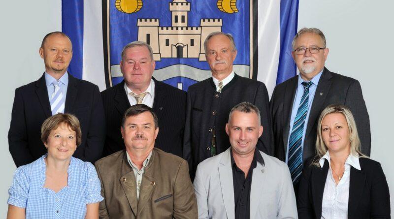 Első sor: Racskó Steffi, Hirt József, Feil Gábor, Tarnai Anita Hátsó sor: Wiszthaller Zoltán, Tresznics Károly, Koczka Tibor, Féhr György